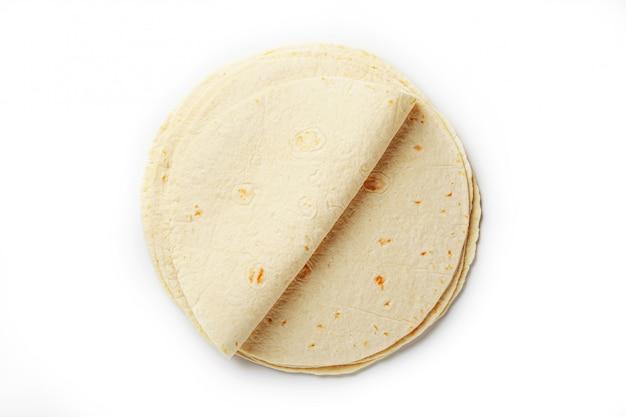 Tortilla. maistortilla oder einfach tortilla ist eine art dünnes ungesäuertes brot aus hominy.