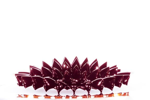 Totale des ferromagnetischen flüssigen metalls mit kopienraum