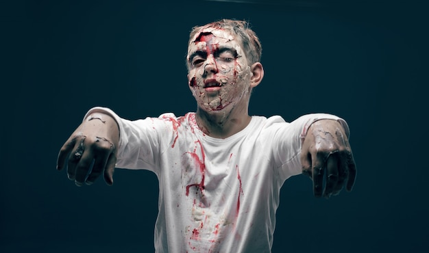 Toter junge zombie. horror halloween konzept