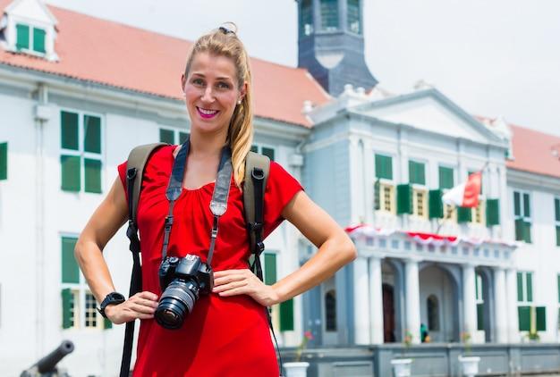 Tourist, der foto-besichtigung in jakarta, indonesien macht
