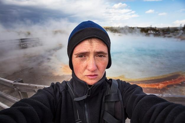 Tourist im yellowstone-nationalpark, usa