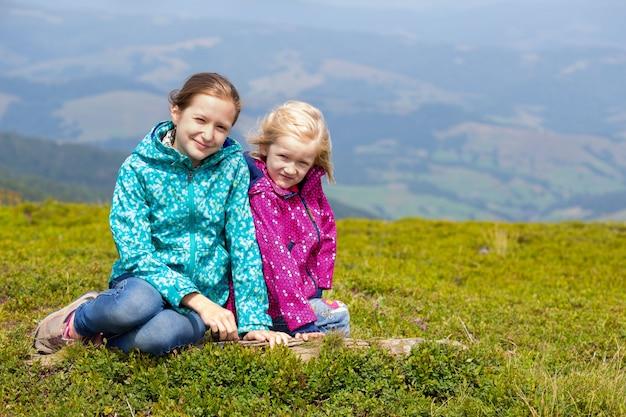 Touristenmädchen und bergblick