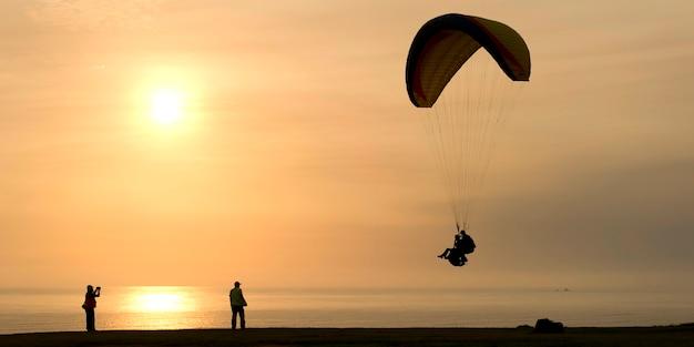 Touristisches gleitschirmfliegen, av de la aviacion, bezirk miraflores, provinz lima, peru
