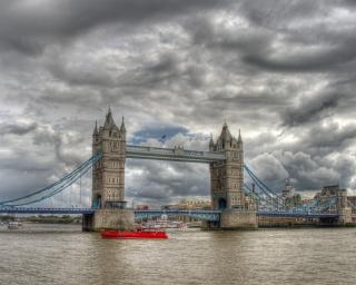 Tower bridge sky