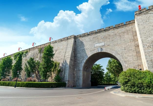 Traditionelle architektur der alten stadtmauer nanjing