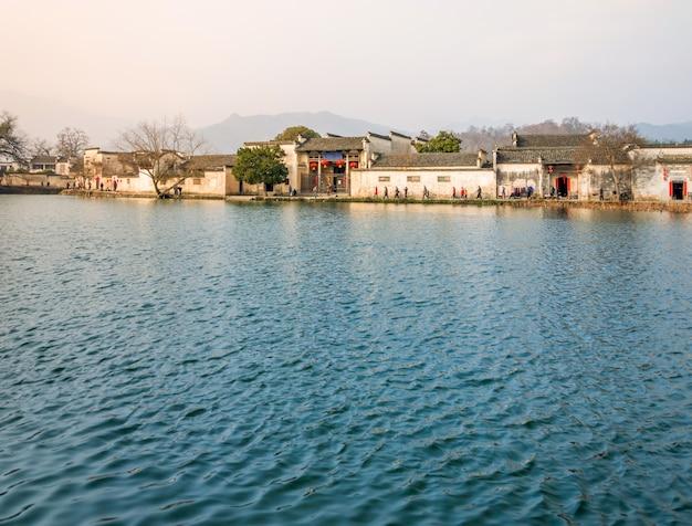 Traditionelle bauhaus chinesischen fluss orientalisch