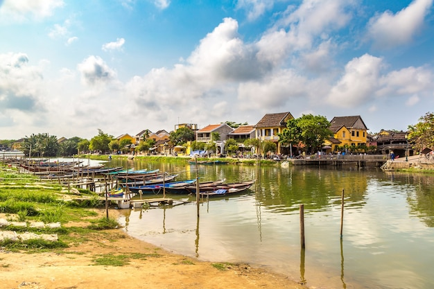 Traditionelle boote in hoi an vietnam
