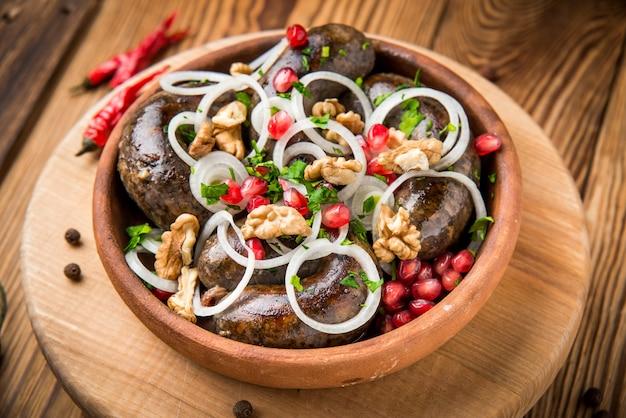 Traditionelle georgische küche, wurst
