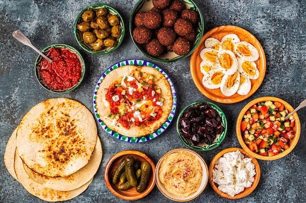 Traditionelle gerichte der israelischen und nahöstlichen küche