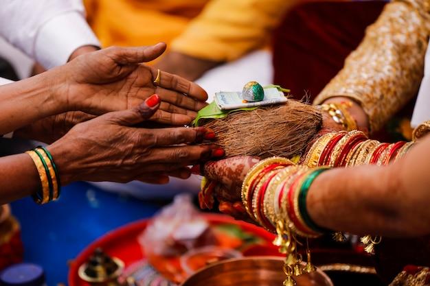 Traditionelle indische hochzeitszeremonie