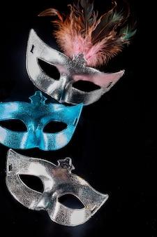 Traditionelle karnevalsmasken zur maskerade. jüdischer feiertag purim.