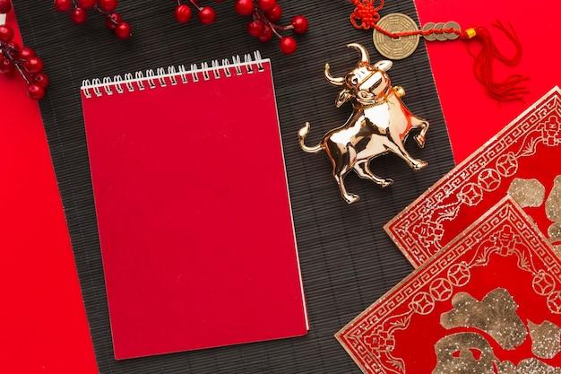 Traditionelle ochsen tier kopie raum neujahr chinesisch 2021