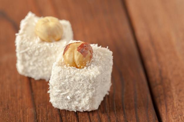 Traditionelle östliche desserts auf dem tisch