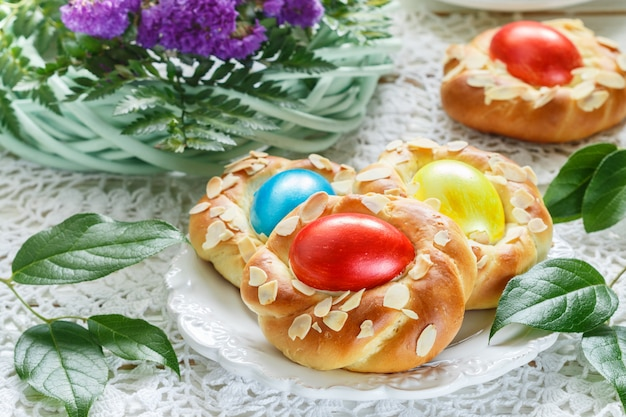 Traditionelle osterbrötchen