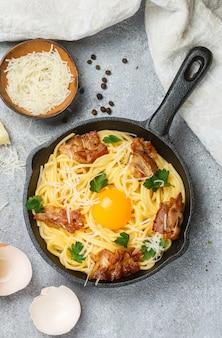 Traditionelle pasta - spaghetti carbonara
