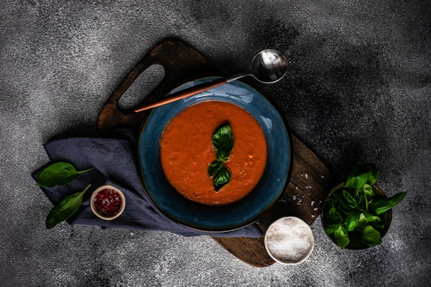 Traditionelle spanische tomatensuppe gazpacho