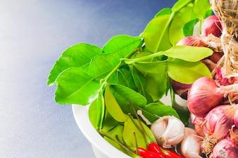 Traditionelle thailändische Gewürzcurrybestandteile