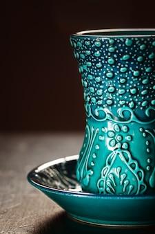 Traditionelle türkische gläser zum tee