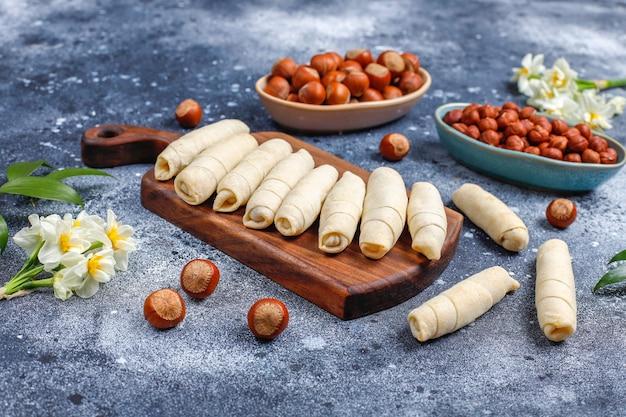 Traditioneller aserbaidschanischer feiertag novruz süßigkeiten mutaki.