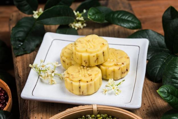 Traditioneller feinschmeckerischer osmanthus-kuchen