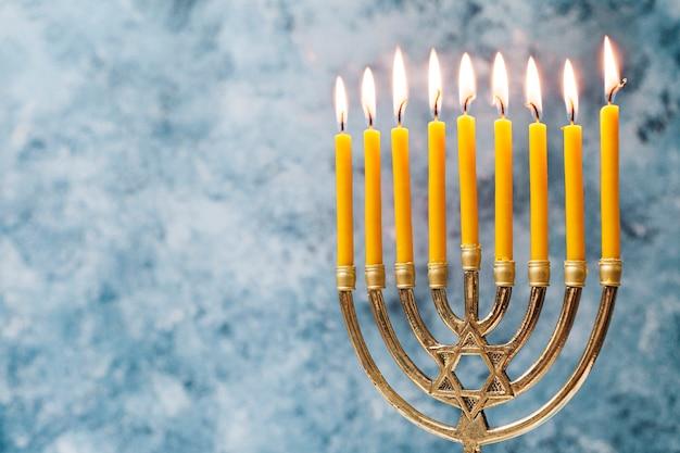 Traditioneller jüdischer kerzenhalter