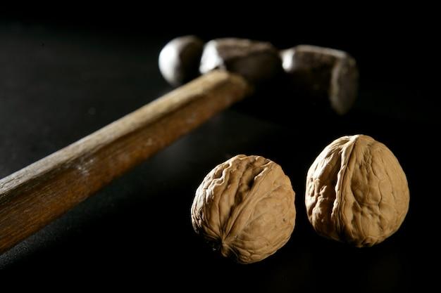 Traditioneller klassischer walnusshammer