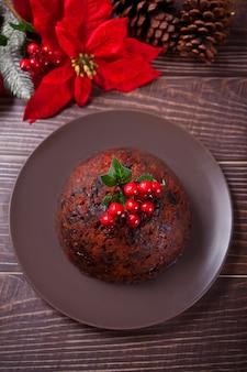 Traditioneller weihnachtspudding