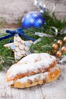 Traditioneller weihnachtsstollen