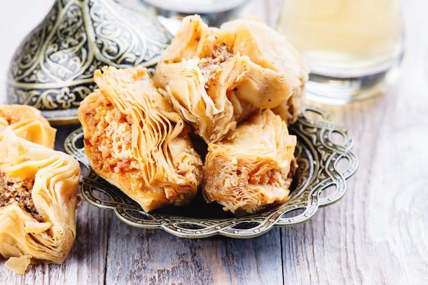 Traditionelles arabisches süßes nachtisch baklava