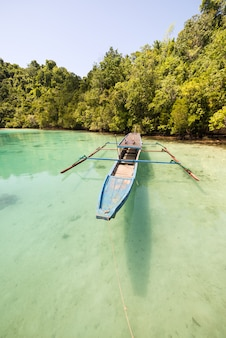 Traditionelles boot in sulawesi indonesien