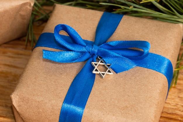 Traditionelles chanukka-jüdisches konzept des hohen ansichtsgeschenks