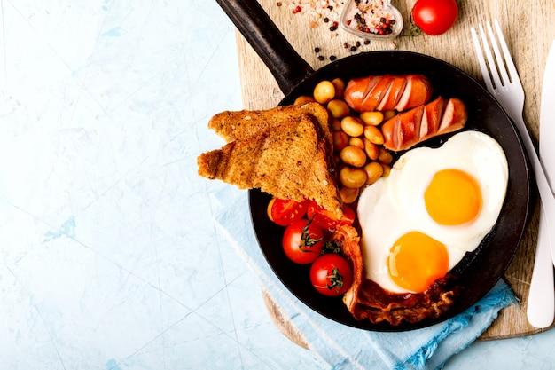 Traditionelles englisches frühstück, draufsicht