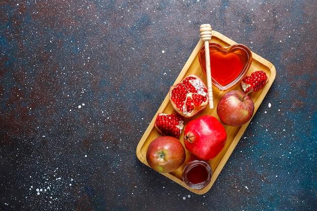 Traditionelles essen des jüdischen neujahrs - rosh hashana.