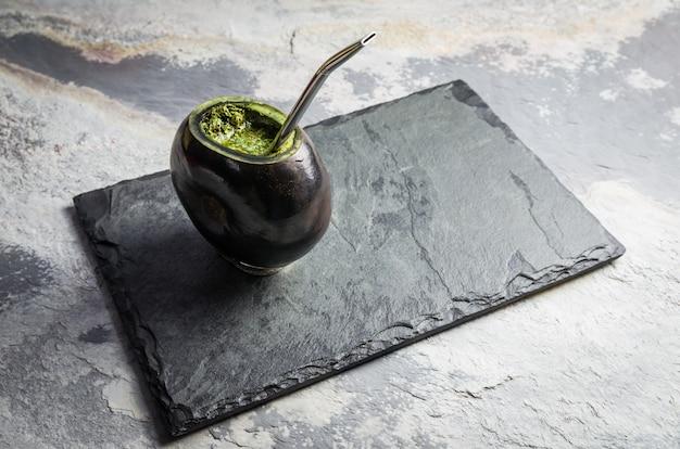 Traditionelles gaucha-getränk, chimarrao