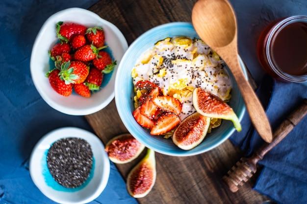 Traditionelles gesundes frühstück