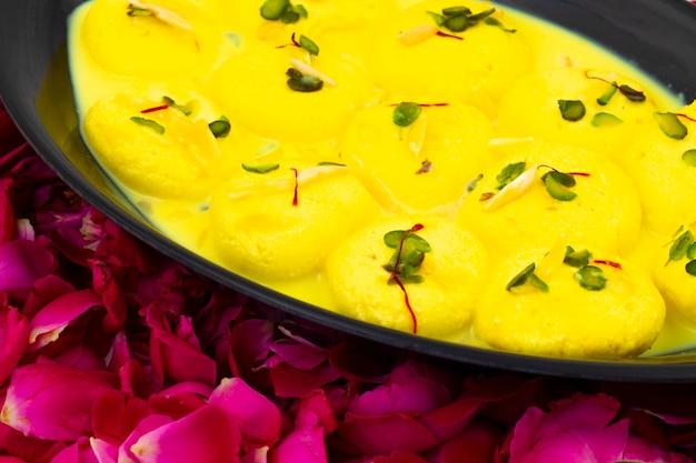 Traditionelles indisches dessert ras malai