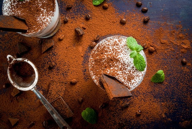 Traditionelles italienisches dessert-tiramisu