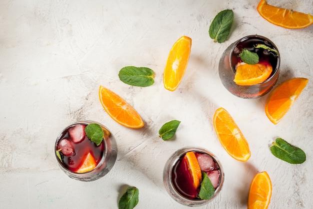 Traditionelles spanisches cocktail tinto de verano