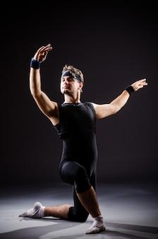 Training des jungen mannes für balletttänze