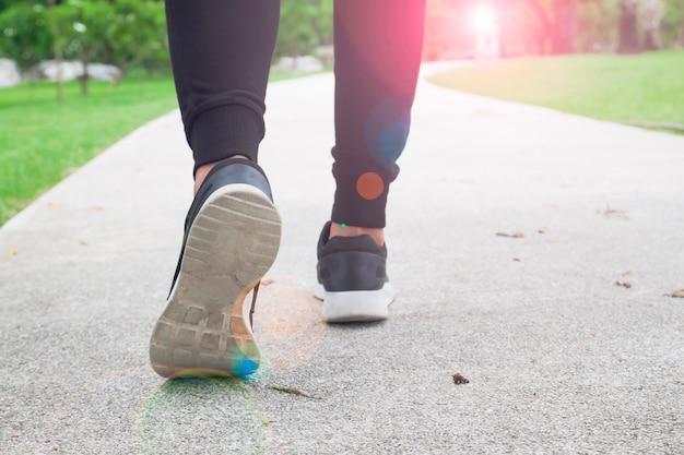 Training wellness gesundes gewicht zu fuß bewegung