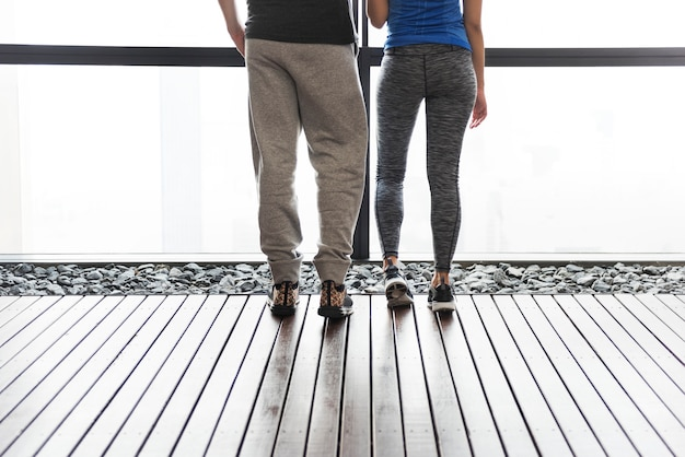 Trainings-sport-eignungs-übungs-läufer-paar-konzept