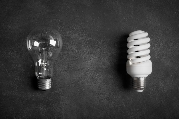 Transparente und weiße (energiesparende) glühlampen