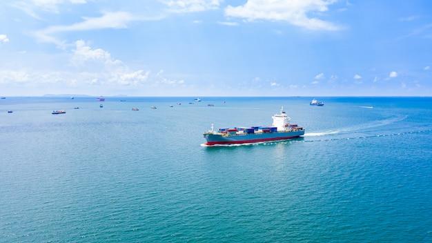 Transportgeschäft frachtcontainer logistik versandservice import und export international auf dem seeweg