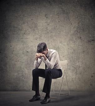 Trauriger enttäuschter geschäftsmann