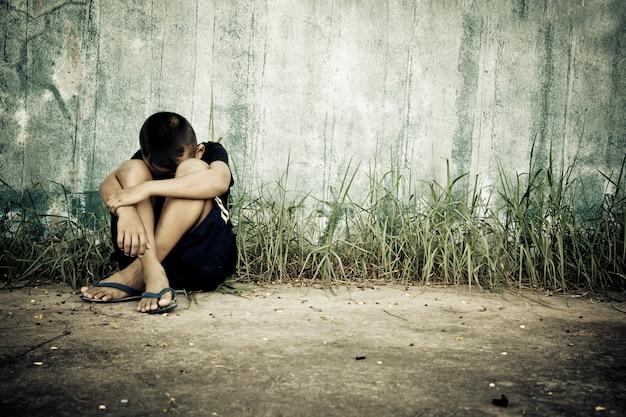 Traurigkeit junge menschen verzweiflung nachdenklich