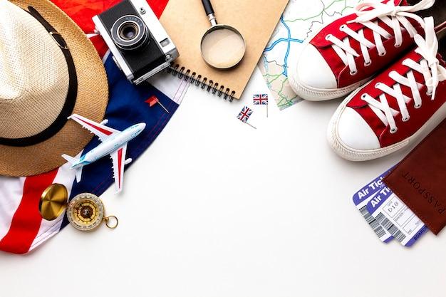 Travel kit essentials mit draufsicht