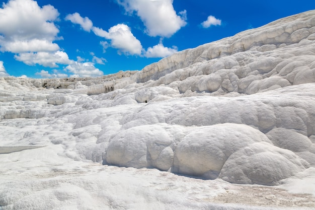 Travertinpools und terrassen in pamukkale