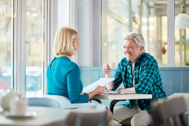Treffen bei einer tasse tee