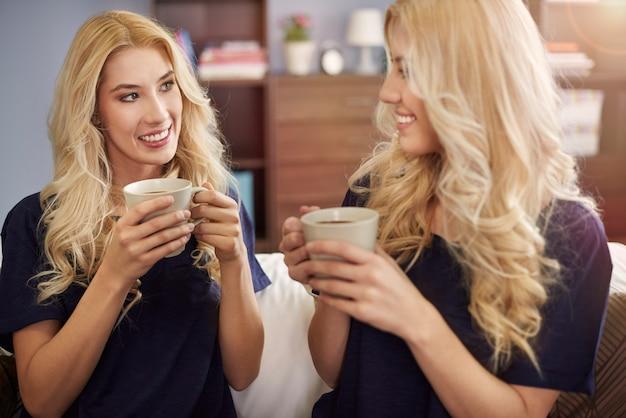 Treffen der blonden zwillinge
