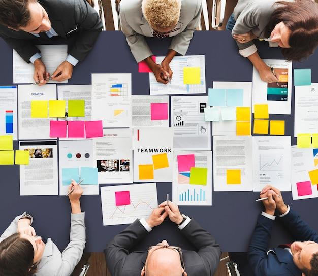 Treffen der seminar-konferenz, die team concept gedanklich löst